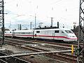 Mannheimer Hauptbahnhof- auf Bahnsteig zu Gleis 10- Richtung Heidelberg (ICE S) 24.2.2009.JPG