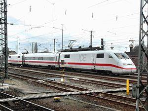 ICE S - Image: Mannheimer Hauptbahnhof auf Bahnsteig zu Gleis 10 Richtung Heidelberg (ICE S) 24.2.2009