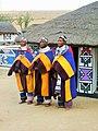 Mapoch.- Femmes Ndebele in Cultural Village (2).jpg