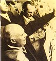 Marcelo T de Alvear habla Amadeo Sabattini al lado - Plaza Hotel - Cordoba - 1936.jpg