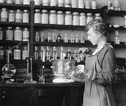 Margaret D. Foster, in Lab, 4 October 1919.jpg