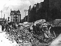 Market square in Bytom, 1945.jpg