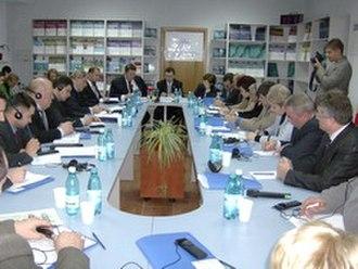 Moldova–NATO relations - Image: Masa rotunda dl simmons ii