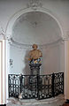MenU-Kerk-statue-left2.jpg