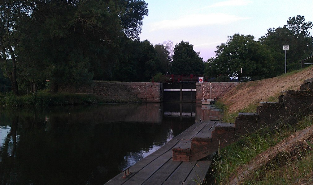 Écluse sur la Mayenne à Montreuil Juigné