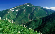 Mount Haku from Aburazaka 1997-7-19.jpg