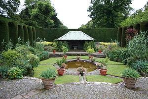 Mount Stewart - Spanish garden