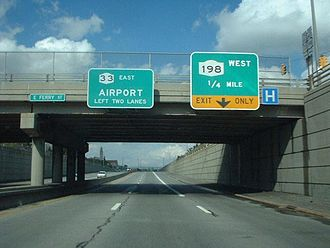 New York State Route 33 - Approaching NY 198 on NY 33 eastbound in Buffalo