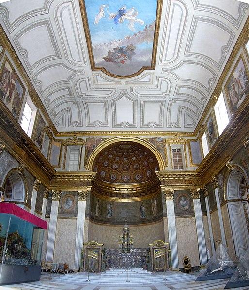File:Napoli Palazzo reale - cappella 1040772-3.JPG