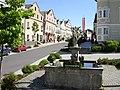 Neufelden-Ortskern-mit-Brunnen.jpg