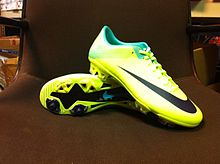 sports shoes cc9d6 85af4 Nike Mercurial Vapor - Wikipedia