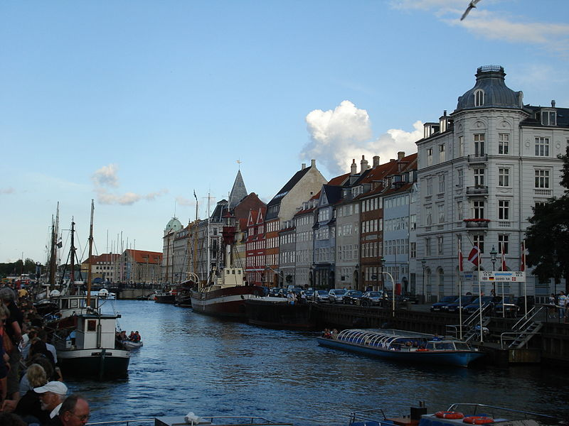 File:NyhavnCopenhague.jpg