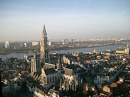 The Onze-Lieve-Vrouwekathedraal (Cathedral of our Lady) and the Scheldt river.