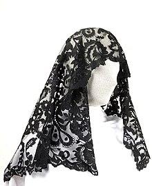 Pour ou contre le hijab de sport de Decathlon ? - Page 3 220px-Objectes_de_la_Sala_Sec%C3%A0_i_Muntanya_%2826914857930%29