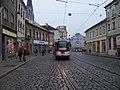 Olomouc, 1. máje, zastávka U Dómu, tramvaj.jpg