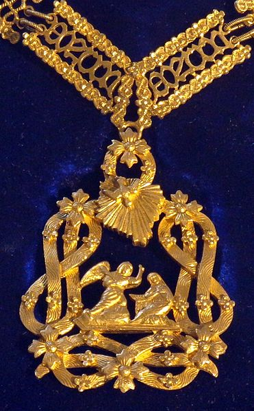 File:Order of the Most Holy Annunciation badge (Italy 1920-1940) - Tallinn Museum of Orders.jpg