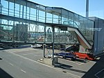 Oslo Airport Gardermoen – Jet bridge.jpg