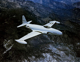 Un P-80A Shooting Star, in volo.