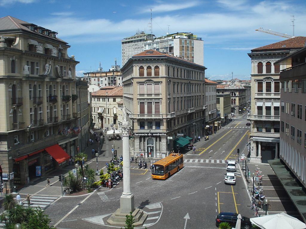 Hotel Napoli Garibaldi Square