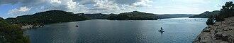 Lac d'Esparron - Image: Panorama du Lac d'Esparron