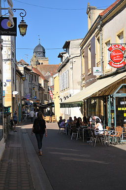 Paray-le-Monial rue Victor Hugo.jpg