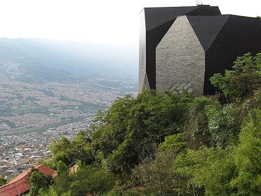 Spain Library (Medellín)