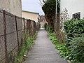 Passage Jean Lobjeois Gagny 1.jpg