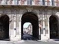 Passage du Pavillon de la Place des Vosges Paris.jpg