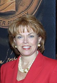 Pat Mitchell (8157972890) (cropped).jpg