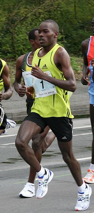Berlin Half Marathon - Patrick Makau Musyoki on the way to victory at the 2008 race
