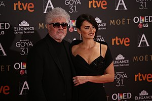 Pedro Almodóvar and Penélope Cruz at Premios Goya 2017 2.jpg
