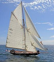 Pen Duick sailing.jpg