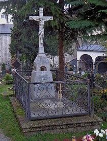 Petersfriedhof Salzburg - Grave of Clemens Holzmeister 1 - DSC01436.jpg
