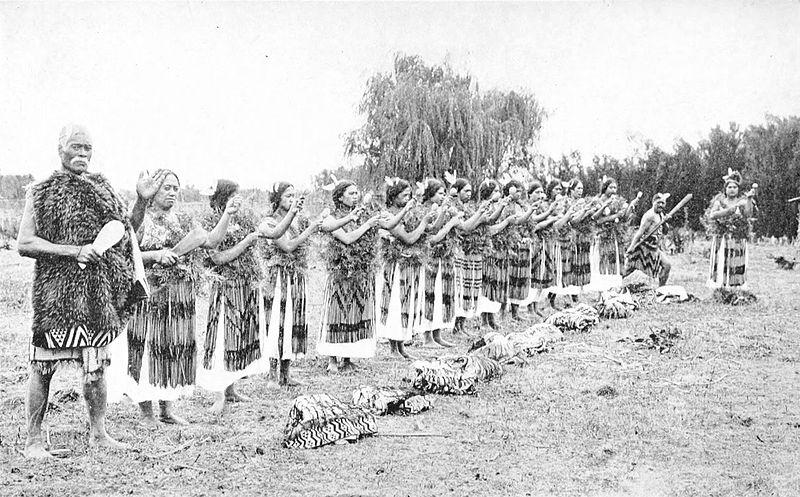 File:Picturesque New Zealand - Poi Dance.jpg