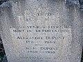Pierre tombale, famille Dupont à Saint-Rambert-en-Bugey, dont Alexandre mort en déportation.jpg