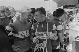 Helyett (cycling team) - Helyett–Fynsec–Hutchinson rider Jacques Anquetil (right) at the 1961 Tour de France