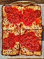 Pizza (47955836398).jpg