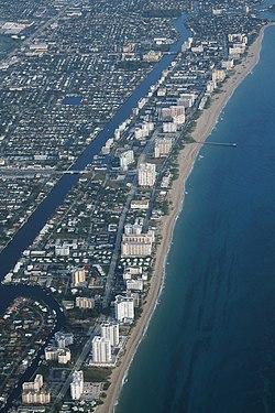 Pompano Beach Aerial (33138305683).jpg