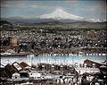 Portland, Oregon with Mt. Hood in background (3708634412).jpg