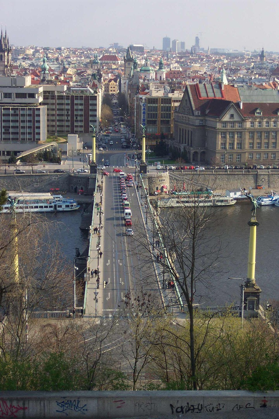 Praha, Letn%C3%A1, pohled na Pa%C5%99%C3%AD%C5%BEskou ulici