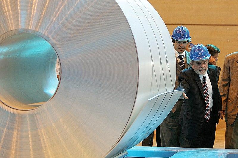 Archivo:President Lula visit to Aluminum factory.jpg