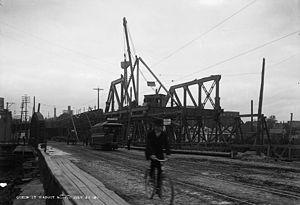 Queen Street Viaduct - The bridge under construction in 1911