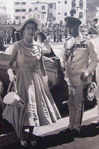 Qu'aiti - Queen Elizabeth II visiting the Protectorate 1954
