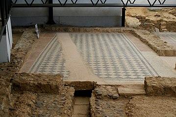 Quintanilla de la Cueza Villa romana Tejada Habitación 25 Mosaico Ajedrezado 3.jpg