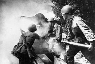 Радянські артилеристи на вогневій