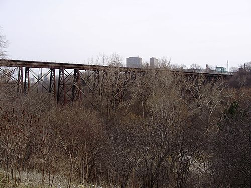 A railway bridge spanning Don River (west branch) and E.T. Seton Park, south of Eglinton Avenue East Railway Bridge Leslie and Eglinton.jpg