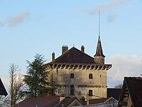 Rans - Château vu de la place des Fontaines.JPG