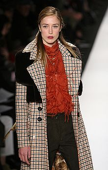 Raquel Zimmermann in Carolina Herrera Fall 08, Photo by Ed Kavishe fashionwirepress.jpg