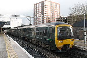 Reading - GWR 165102 Basingstoke service.JPG
