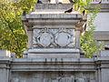 Reggio Calabria - Monumento a Giuseppe De Nava - Stemmi città e provincia02.jpg